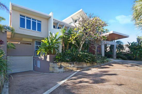 The Salt House- North Point Ave - Pure Beachfront - Image 1 - Kingscliff - rentals