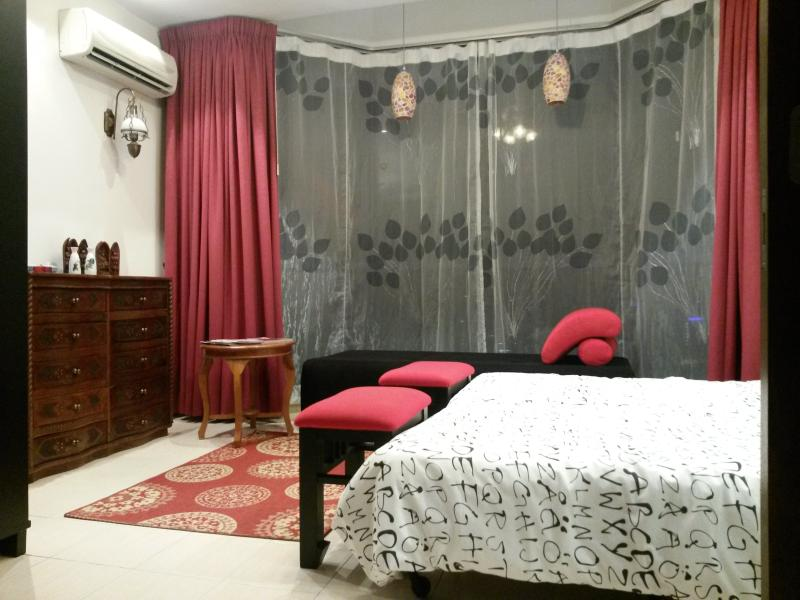Amcorp  bedroom2 in shopping mall - Image 1 - Petaling Jaya - rentals
