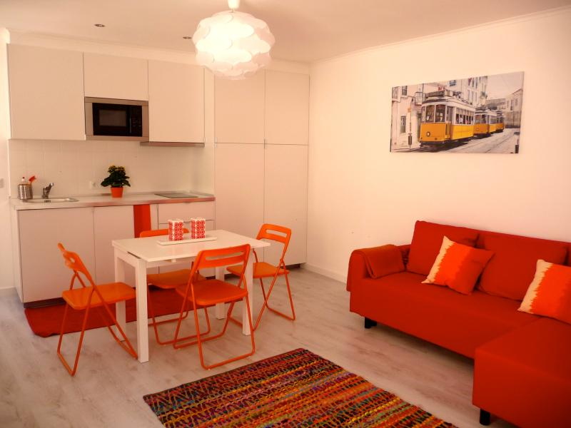 Living room - Sunny apartment in the Castle area - Lisbon - rentals