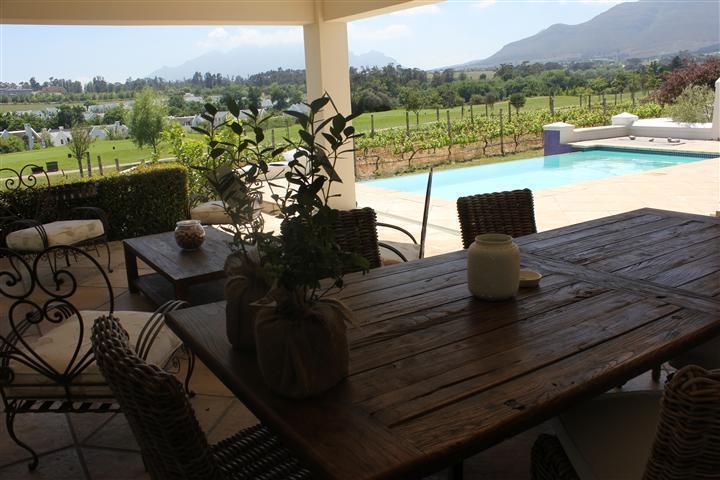 Oudoor area/ braai - House on De Zalze Golf & Wine Estate - Stellenbosch - rentals