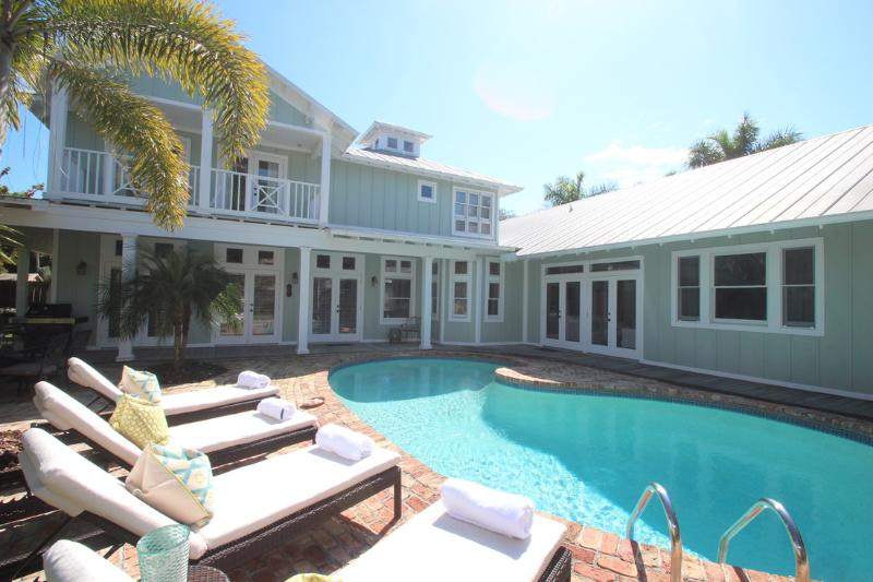 NAPLES MERMAID COTTAGE ~ Old Naples Beach House Style ~ Private Beach! - Image 1 - Naples - rentals