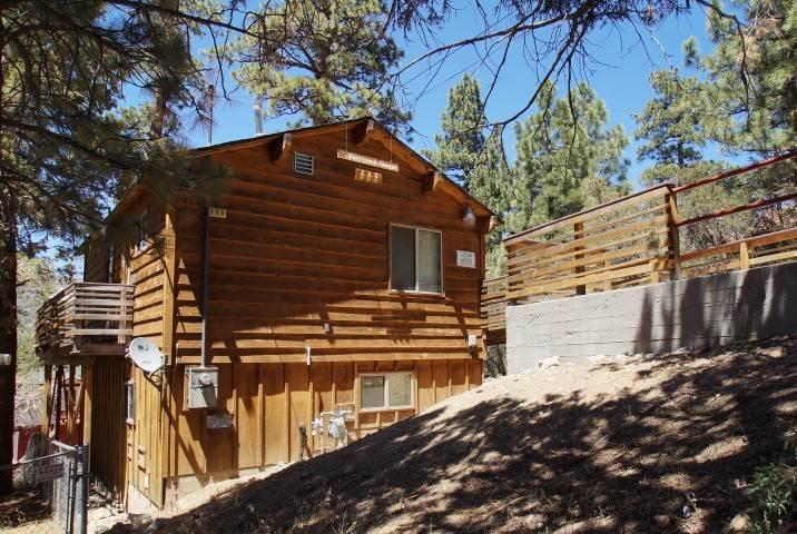 Harrison's Hanger - Image 1 - Big Bear City - rentals