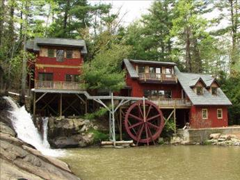 The Upper & Lower Millhouse (Upper Millhouse is on the Left) - Upper Millhouse 99009 - Flat Rock - rentals