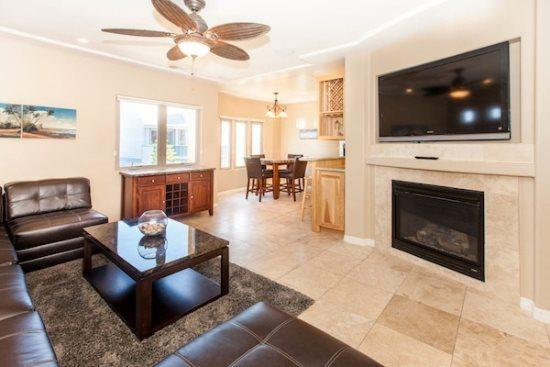 Living room with flat screen is connected to kitchen and dining area - 750 Devon - Mission Beach Luxury 2BR Home - Mission Beach - rentals
