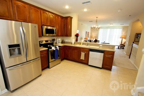 Fully stocked kitchen, stainless steel appliances - 4815 Vista Cay - Orlando - rentals