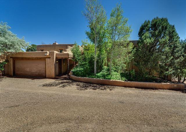 Welcome to Mansion Ridge Hideaway - Mansion Ridge Hideaway - Near Plaza, Private 2 acers with 100 mile views... - Santa Fe - rentals