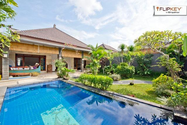 Gorgeous pool and imaculate tropical garden - Image 1 - Kerobokan - rentals