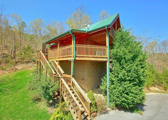 Heavenly Hideaway #256 Outside View of The Cabin - Smoky Mountain Cabin in Wears Valley HEAVENLY HIDEAWAY 256 - Sevierville - rentals