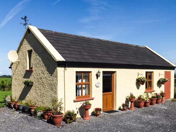 ST JOSEPH, single-storey, WiFi, view of Croagh Patrick, Balla Ref 19192 - Image 1 - Balla - rentals