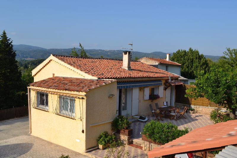 B&B Les Cigales, Superb Rental with a Hot Tub and Terrace - Image 1 - Salernes - rentals