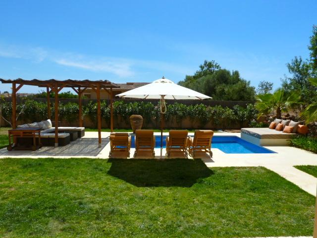 Pool area - Villa With Private Pool, Few Minutes To The Beach, - Sa Rapita - rentals