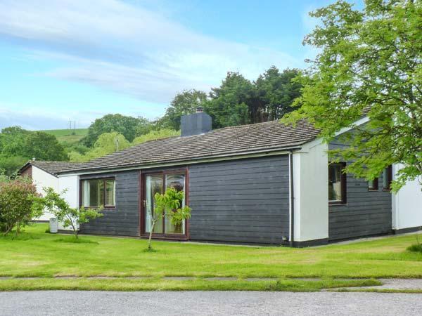 SWEET MERLIN, all ground floor, woodburner, parking, garden, in Saltash, Ref 30382 - Image 1 - Saltash - rentals