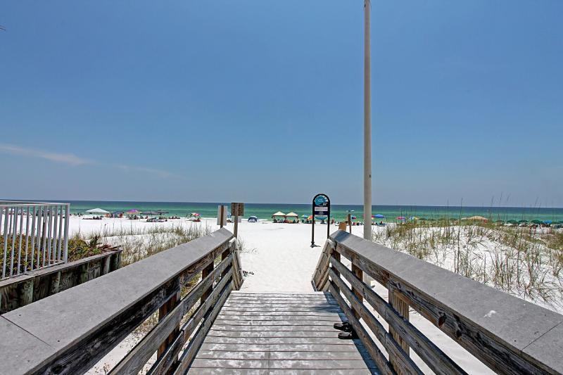 Beachwalk Townhome #17-AVAIL 7/20-7/23! Walk to Miramar Beach!Gorgeous Furnishings! - Image 1 - Miramar Beach - rentals