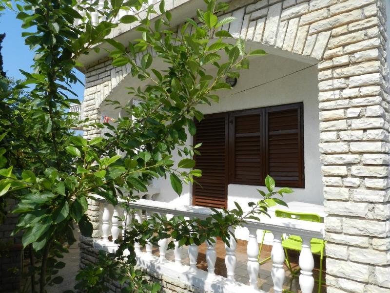 Apartments Toni - 23181-A4 - Image 1 - Srima - rentals