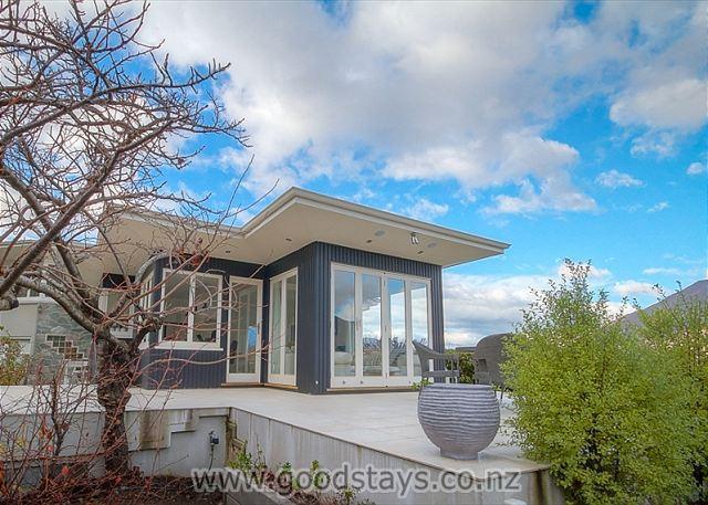 Panorama Views - Image 1 - Queenstown - rentals