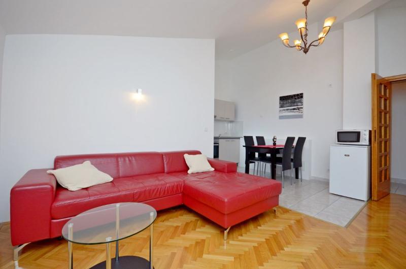 Apartment Vinko - 45391-A1 - Image 1 - Split - rentals