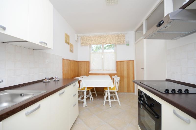 House Milenka - 65271-K1 - Image 1 - Banjol - rentals