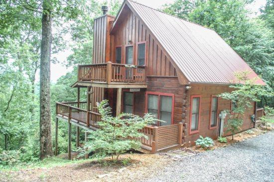 INTO THIN AYER- 2BR/2BA- CABIN WITH AN AWESOME MOUNTAIN VIEW SLEEPS 4, STACKED STONE FIREPLACE, WIFI, AND GAS GRILL! ONLY $118/NIGHT! - Image 1 - Blue Ridge - rentals