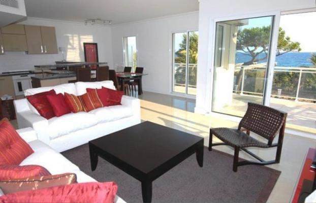Lovely 2 Bedroom French Riviera Rental, Royal Palm 217 - Image 1 - Cannes - rentals