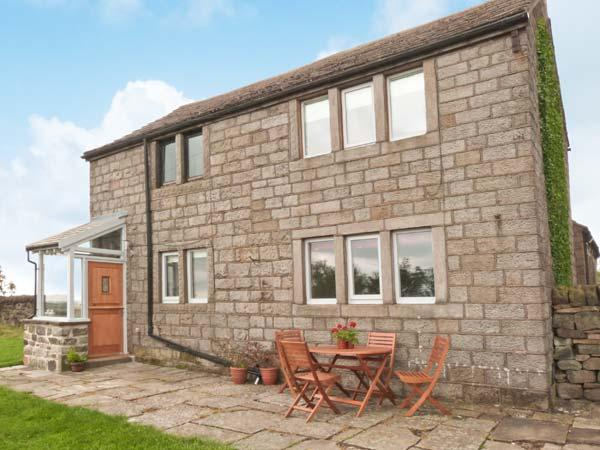 KNOWLE LODGE, all ground floor, woodburning stove, feature beams, WiFi, patio with furniture, Ref 30965 - Image 1 - Cragg Vale - rentals
