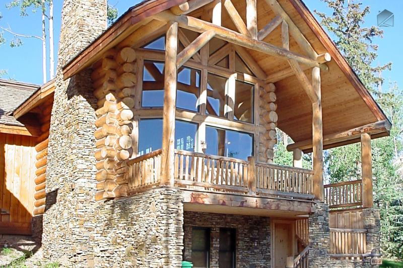 Scout your surroundings from the deck or through the big windows from the living room. - The Hall of the Mountain King - Private hot tub and balcony - Wild Cat Lair - Mountain Village - rentals