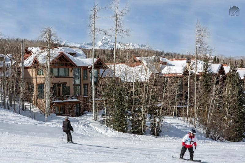 When you're cruising down Meadows ski run, ride right up to the front door of the Pine Meadows complex. - The grass is greener on this side - Ski in/out, Mountain Village core, Golf course close nearby - Trailside at Pine Meadows - Mountain Village - rentals
