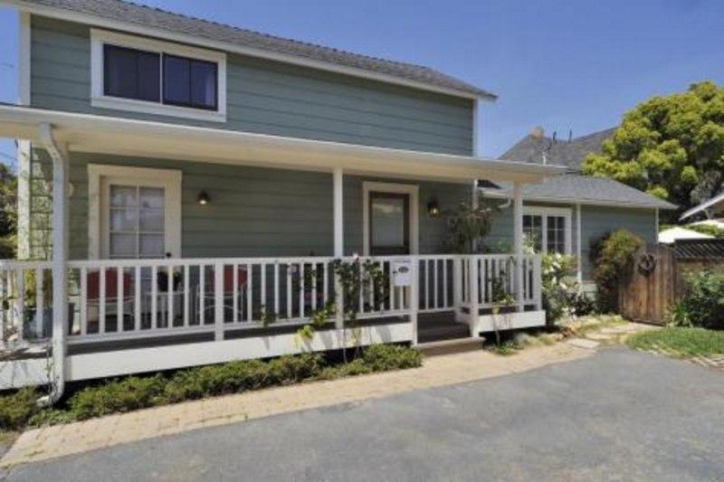 Front of House - Downtown Quaint Cottage - Santa Barbara - rentals