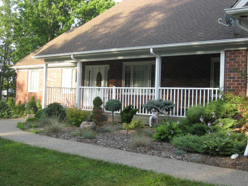 our home - Pat's Country Home - Niagara Falls - rentals
