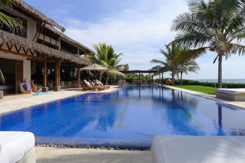 The privat villa 25 meter pool - Luxury Oceanfrontvilla, 25meter Pool,Best Location - Puerto Escondido - rentals