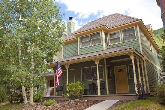 Bachman Village 25 Exterior - Bachman Village 25 - 3 Bd / 3 Ba - Sleeps 8 - Downtown Telluride Vacation Home located 1 block from base of Lift 7 - Telluride - rentals