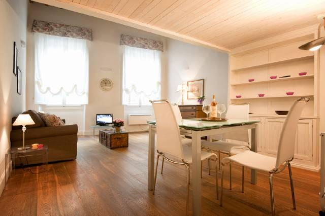 Living and dining area - Stylish 1 bedroom apartment in Florence (BFY122) - Florence - rentals