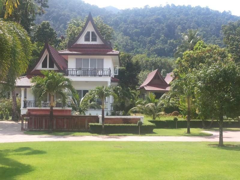 Lavender 4 Bedroom Home with Great Ocean Views - Image 1 - Koh Chang - rentals