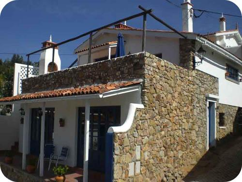 House from the road - Casa Branca - Figueiro dos Vinhos - rentals