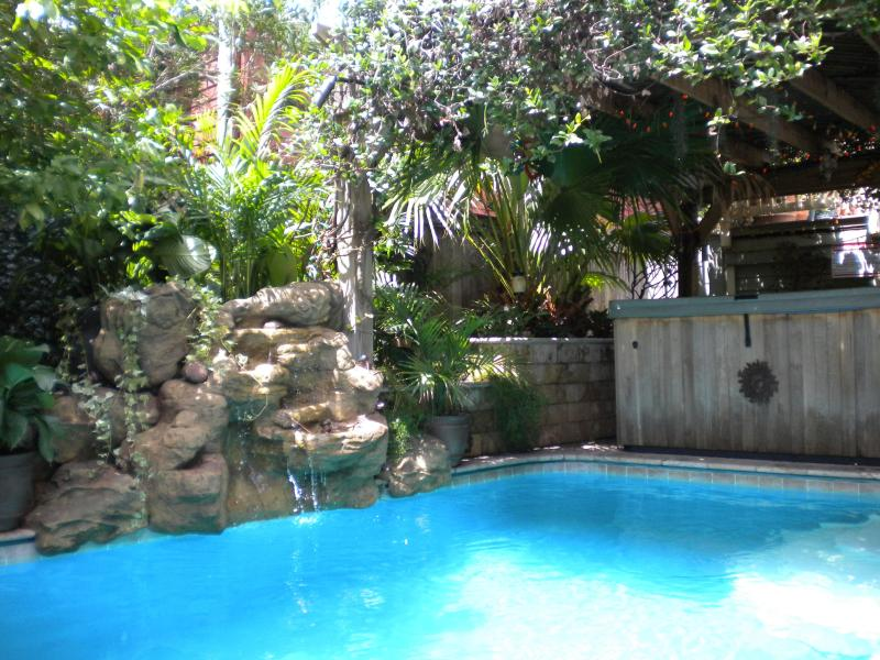Tropical Oasis Waterfall Delight!! - Uptown Tropical Oasis-Pool/Spa/Outdoor Kitchen - New Orleans - rentals
