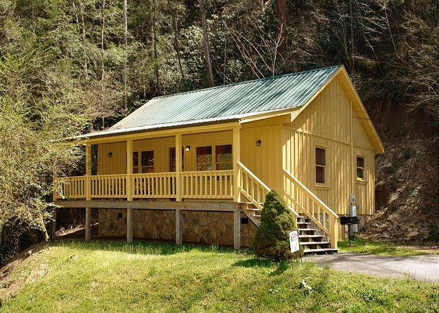 Creekside Tranquility #365- Outside View of the Cabin - Cabin in between Gatlinburg and Pigeon Forge Creekside Tranquility 365 - Sevierville - rentals