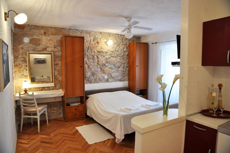 Bright and spacious apartment for two :) - Pinta Lumbarda (apartment for 2/A) - Lumbarda - rentals