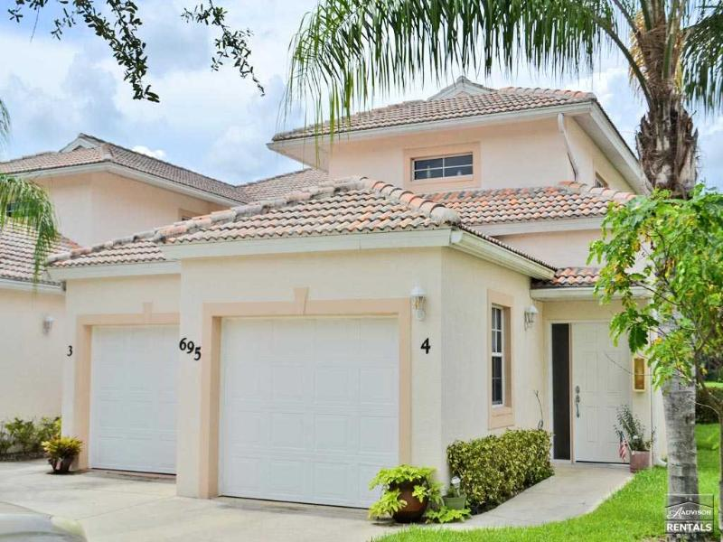 Sophisticated, professionally decorated lakefront coach home with garage - Image 1 - Naples - rentals