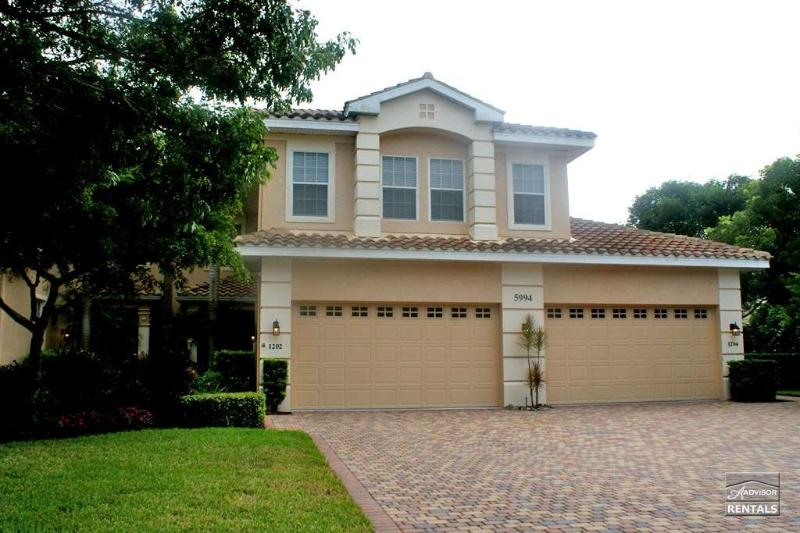 Over 2,000 spacious square feet of luxury and privacy - Image 1 - Naples - rentals