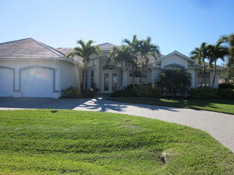 Front entrance - Villa Dolphin - Cape Coral - rentals