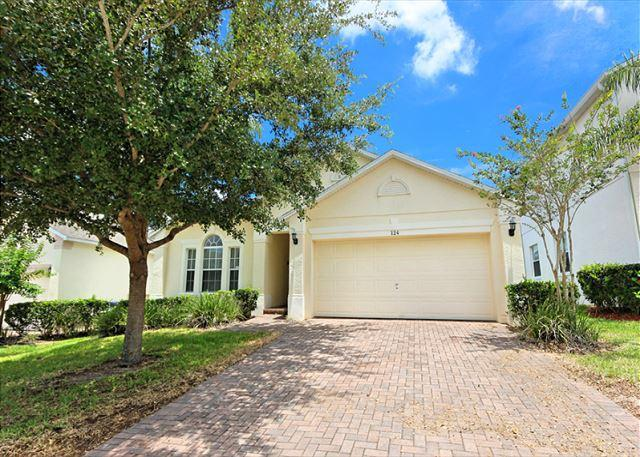 Front View - THE LARKHAVEN: 3 Bedroom Pool Home with Game Room in Gated Community - Davenport - rentals