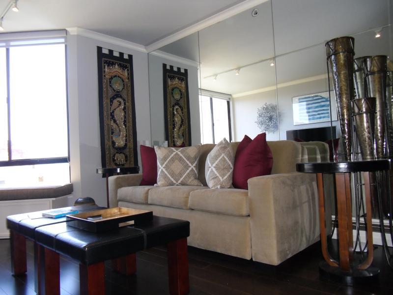 Livingroom Queen Size Sofabed - 1BR Condo in San Francisco Nob Hill - San Francisco - rentals