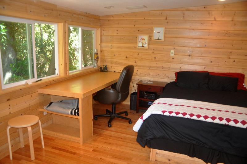 Cottage Interior - Cozy Cottage - Palo Alto - rentals