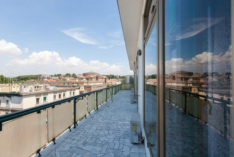 balcony 40 square metres - LUXURY FLAT WITH TERRACE 200 SQ. M. AUDITORIUM PARIOLI - Rome - rentals