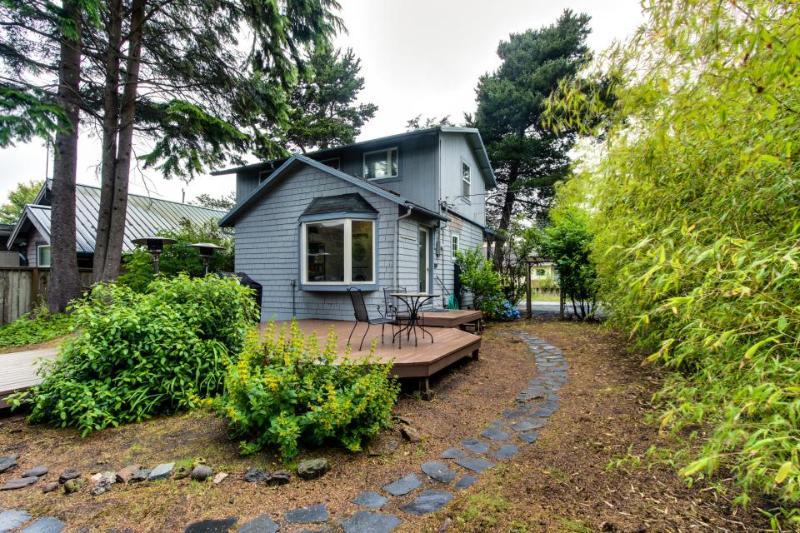 Van Buren's Cottage - Image 1 - Cannon Beach - rentals