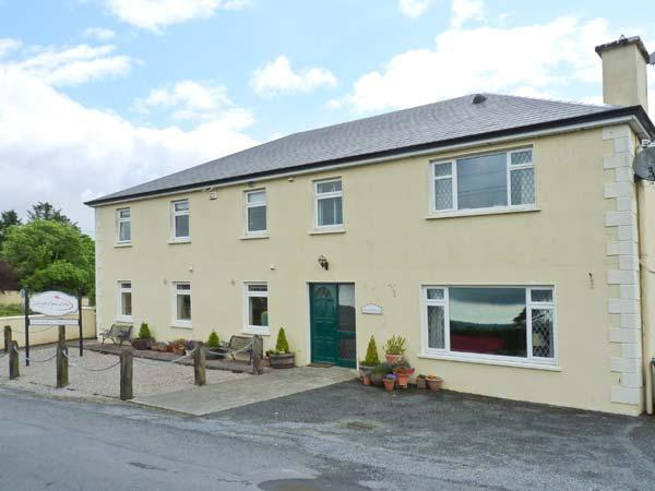 LOUGH GARA LODGE, en-suite facilities, WiFi, Wii with games, garden with furniture, Ref 913340 - Image 1 - Rathmadder - rentals