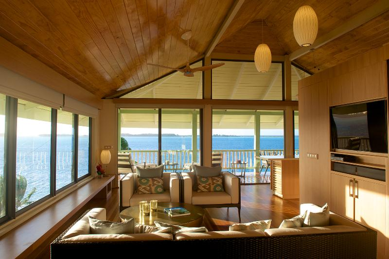 Living Room - Bora Bora Bungalow - First Class Bungalow With Fabulous Lagoon View - Bora Bora - rentals