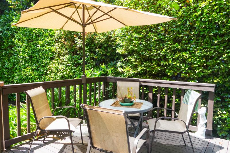 Deck and Patio Furniture - Quiet and Elegant Private Apartment - Berkeley - rentals