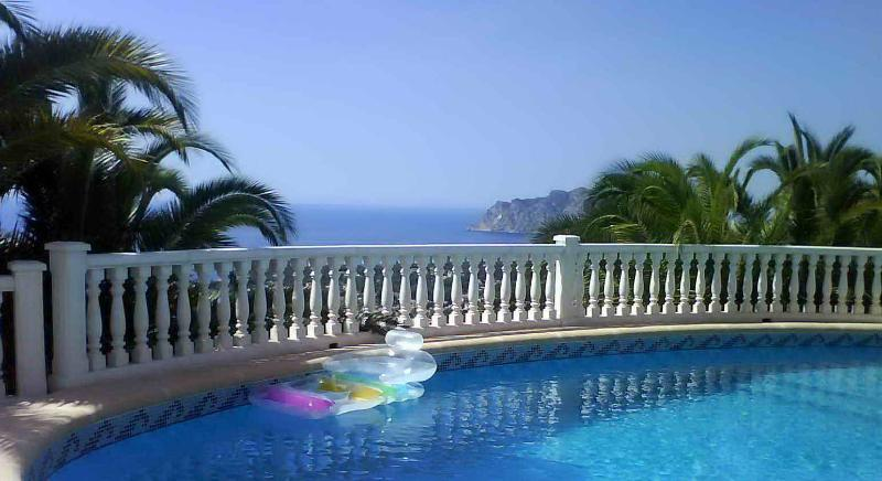 Unbiased spectacular view of the Mediterranean from the large private swimming pool - Costa Blanca Marvellous Hide Out - La Llobella - rentals