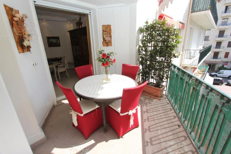 Outside Terrace - Cannes Center Luxurious 2 Bedroom Vacation Home - Cannes - rentals