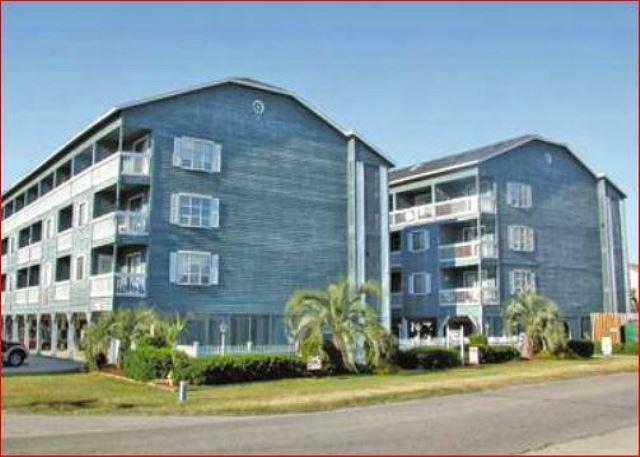 Beautiful Condo located just south of Myrtle Beach, Sc - Image 1 - Garden City Beach - rentals